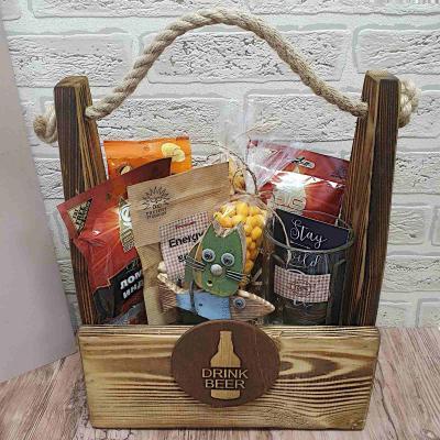 Подарочный пивной набор для мужчин в деревянном ящике
