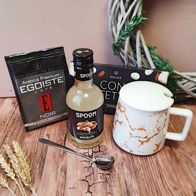 Подарочный набор с кружкой, кофе и сиропом